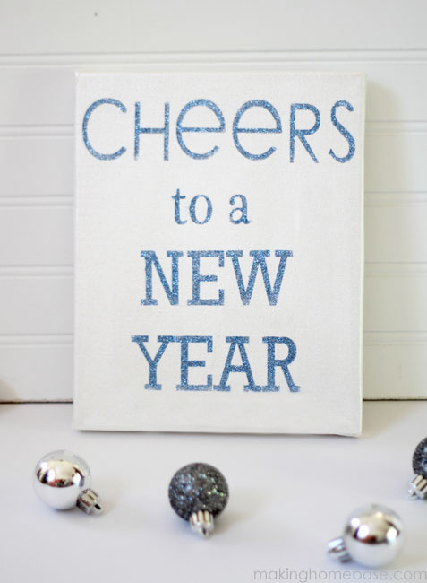 Glitter Sign: A New Years Craft