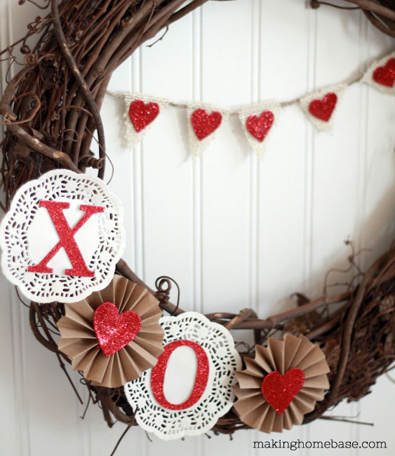 Valentine's Day Decor: Valentines Day Wreath