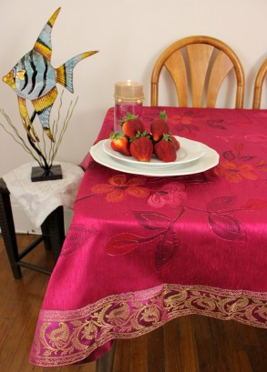 hp-square-tablecloth-fuchsia-1-293x409