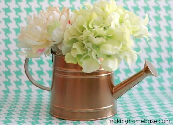gold watering tin