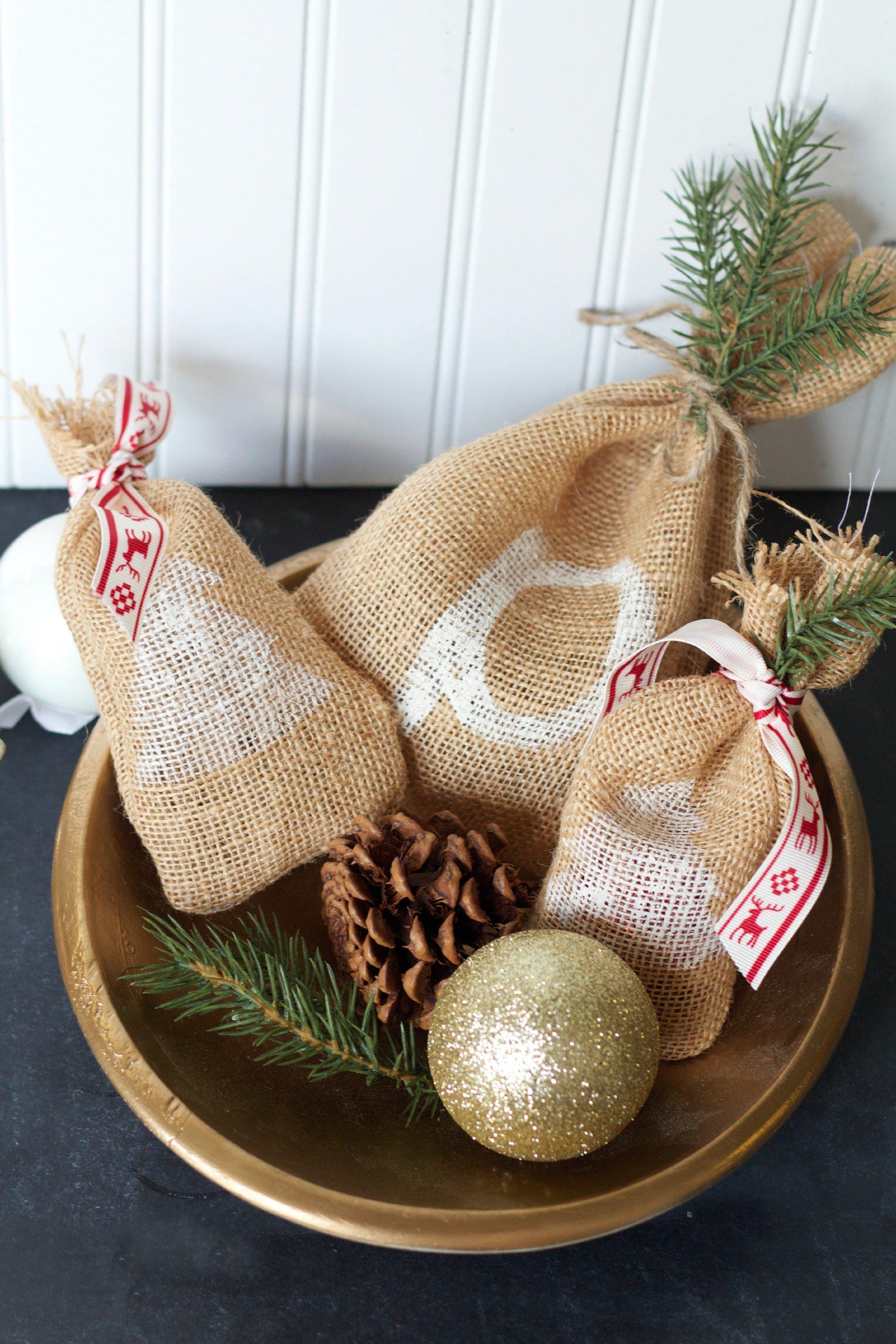 Burlap Gift Bags DIY Holiday Gift Bags