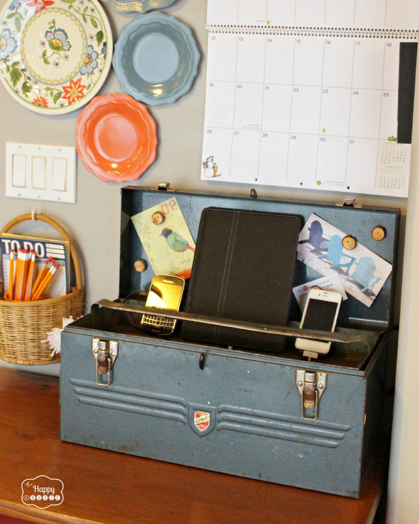 Charging-Station-from-a-Vintage-Tool-Box-at-The-Happy-Housie-819x1024