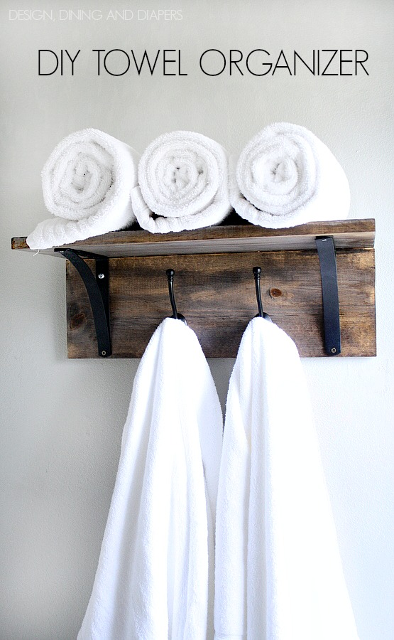 Rustic-DIY-Towel-Organizer-and-Rack-Saves-space-and-looks-really-easy-to-make.-Tutorial-included.-via-@tarynatddd