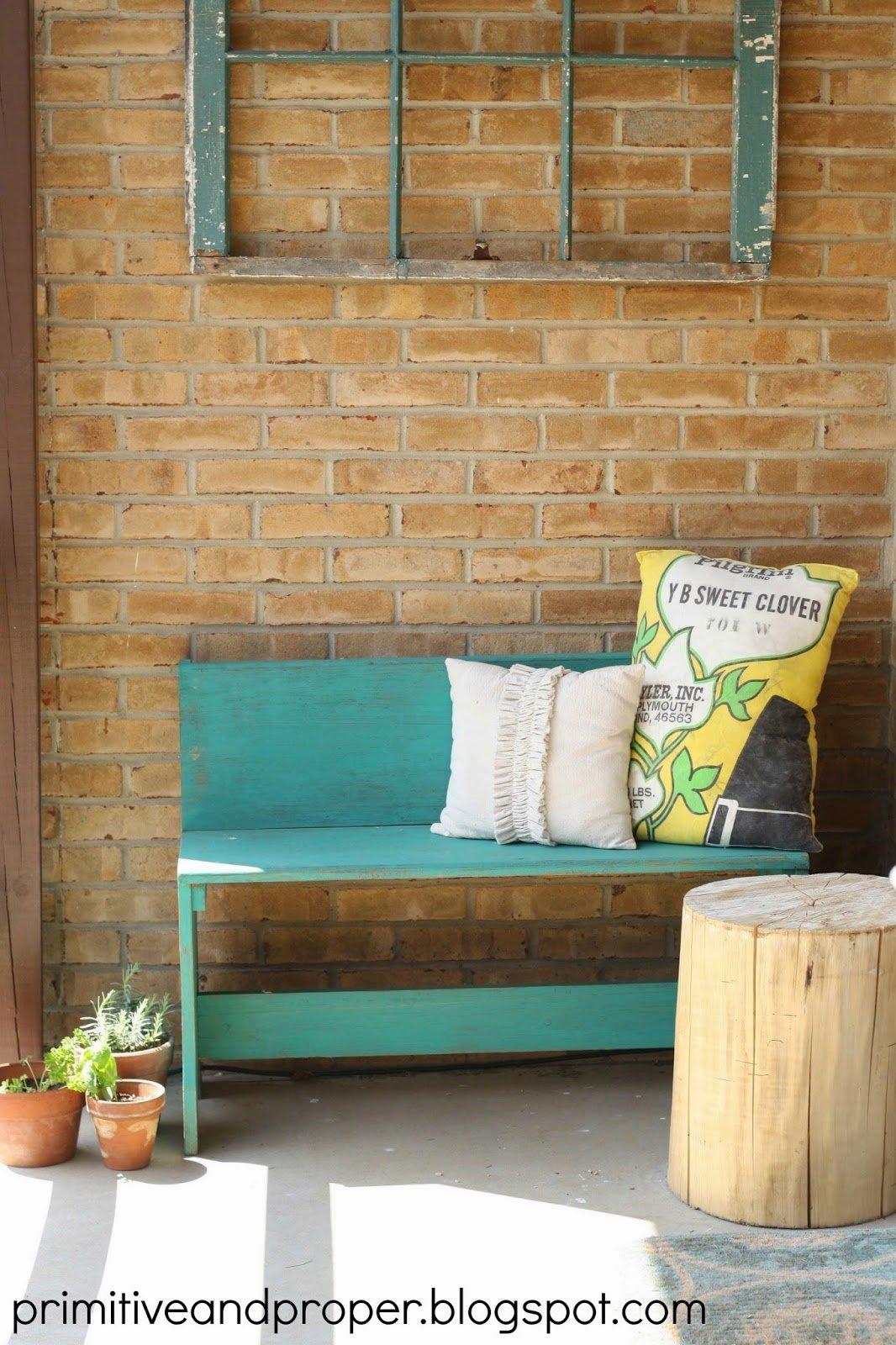 tour porch bench