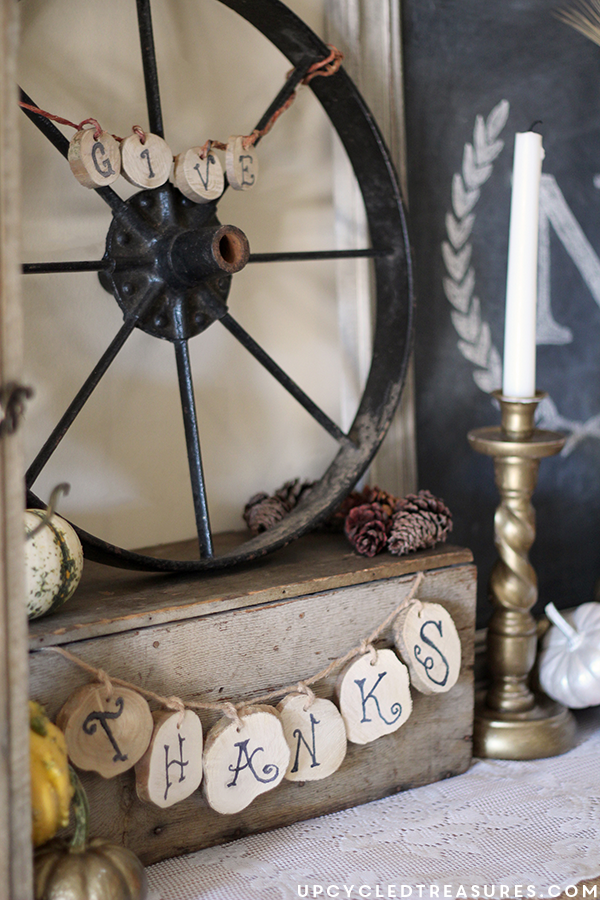 Rustic-Fall-Vignette-Give-Thanks-on-Wood-Slices-UpcycledTreasures
