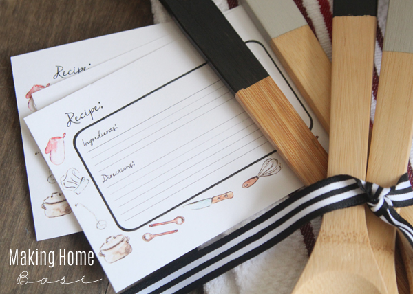 "Gift Idea – Paint ""Dipped"" Kitchen Utensils + Free Recipe Card Printable"