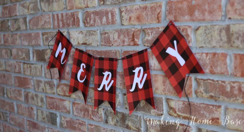 Merry Banner-3