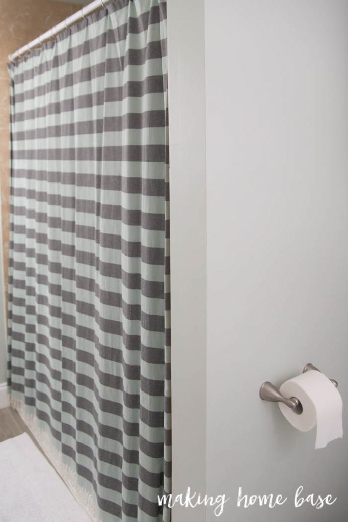 Coastal Guest Bathroom-34