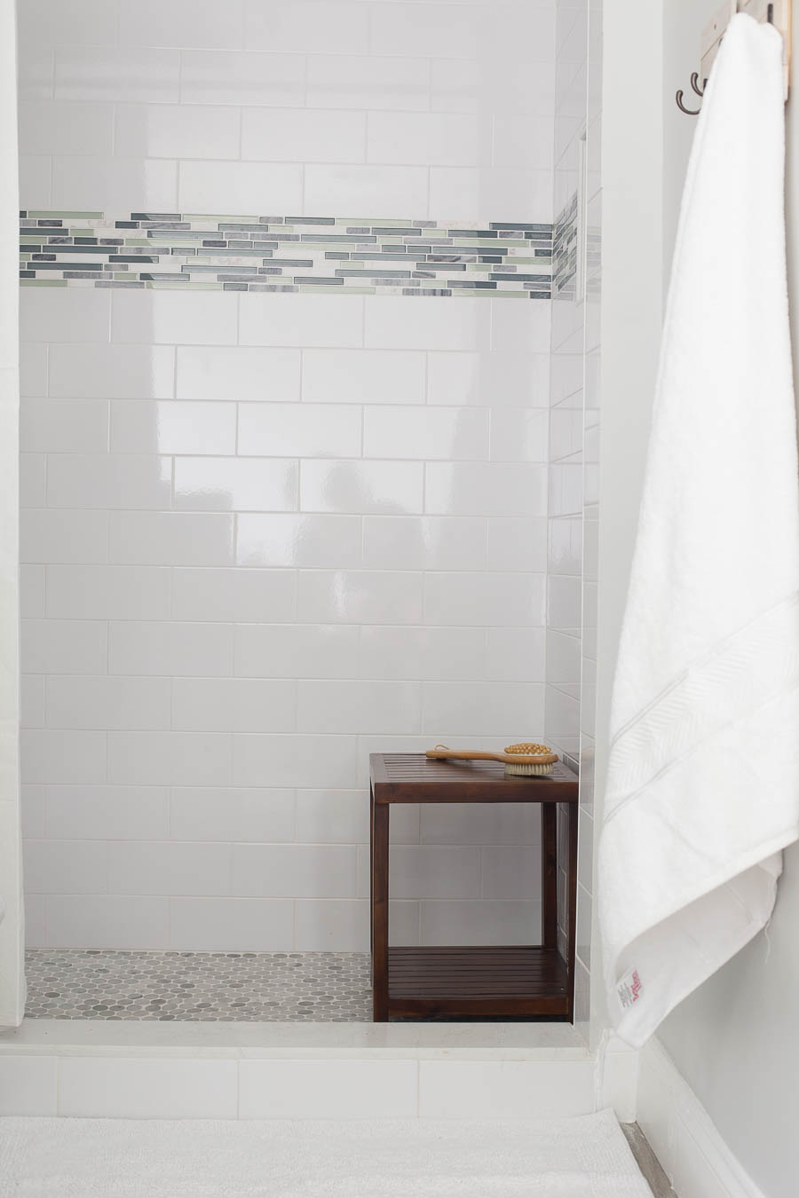 Master Bathroom Makeover - DIY projects galore