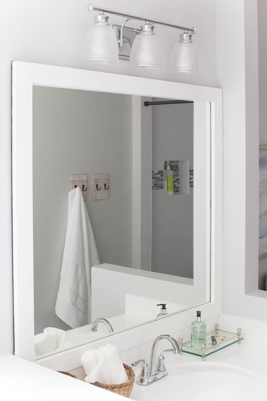 How to frame a bathroom mirror easy diy project for How to frame mirror in bathroom