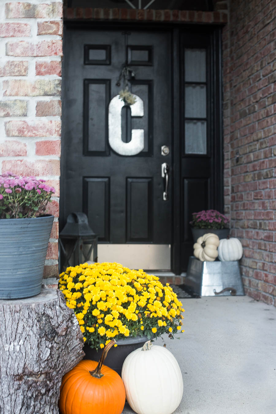 easy-5-minute-fall-porch-decor-6