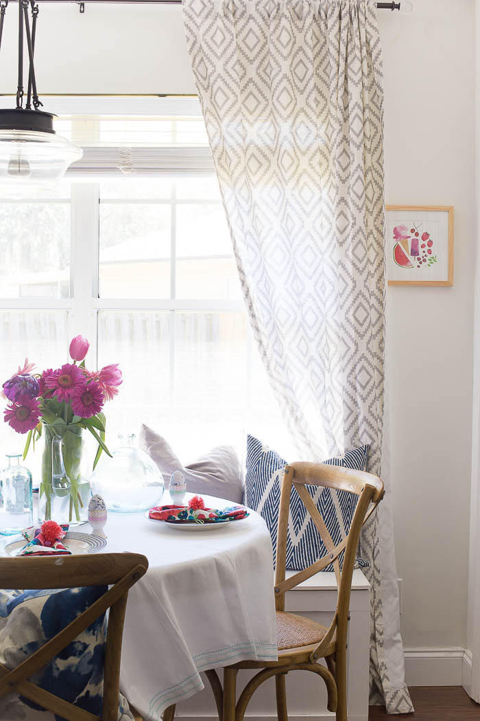 Breakfast Nook - Simple spring decorating Ideas that transform your space for the most colorful and cheery season of all.