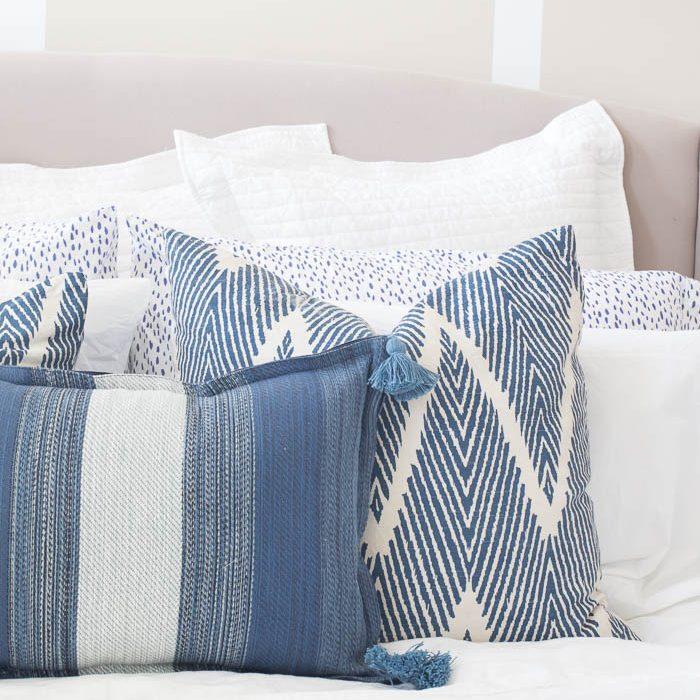 Placemat Pillow Tutorial | DIY Friday
