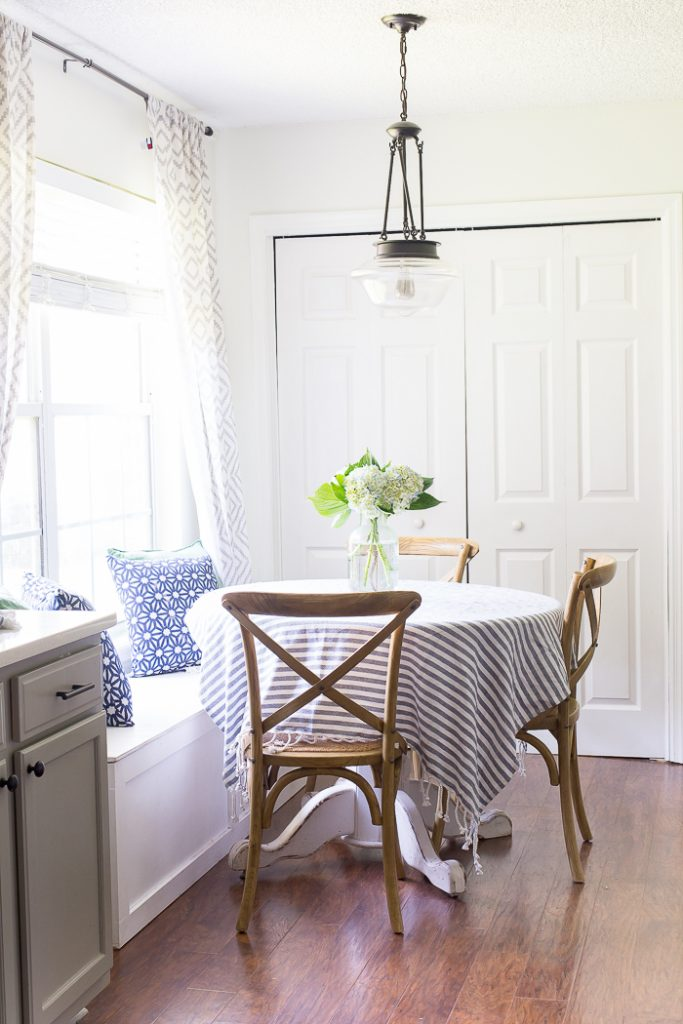 How to style a breakfast nook