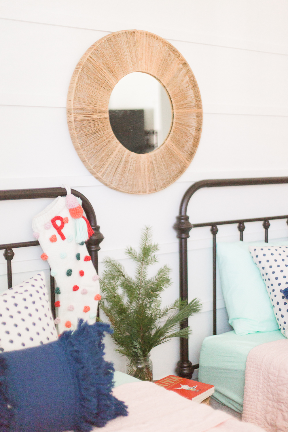 Decorating the Girls Room for Christmas - Making Home Base