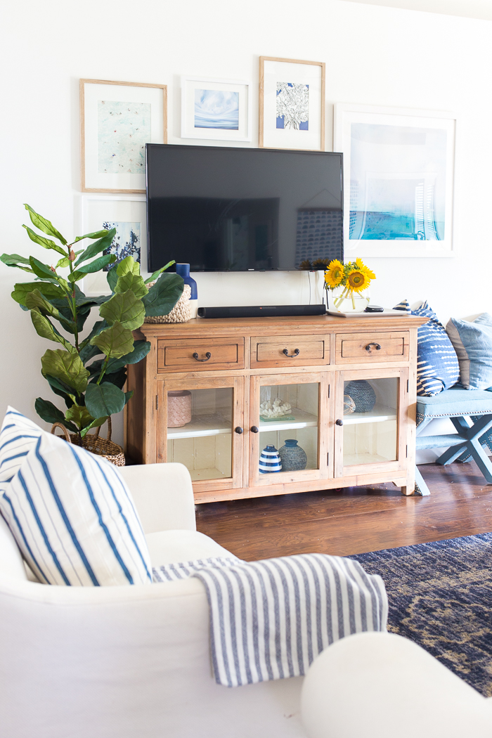 Tips for decorating around a wall mounted TV