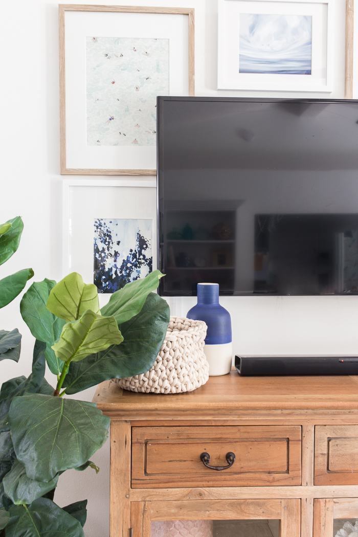 Decorating a TV wall - TV wall decor