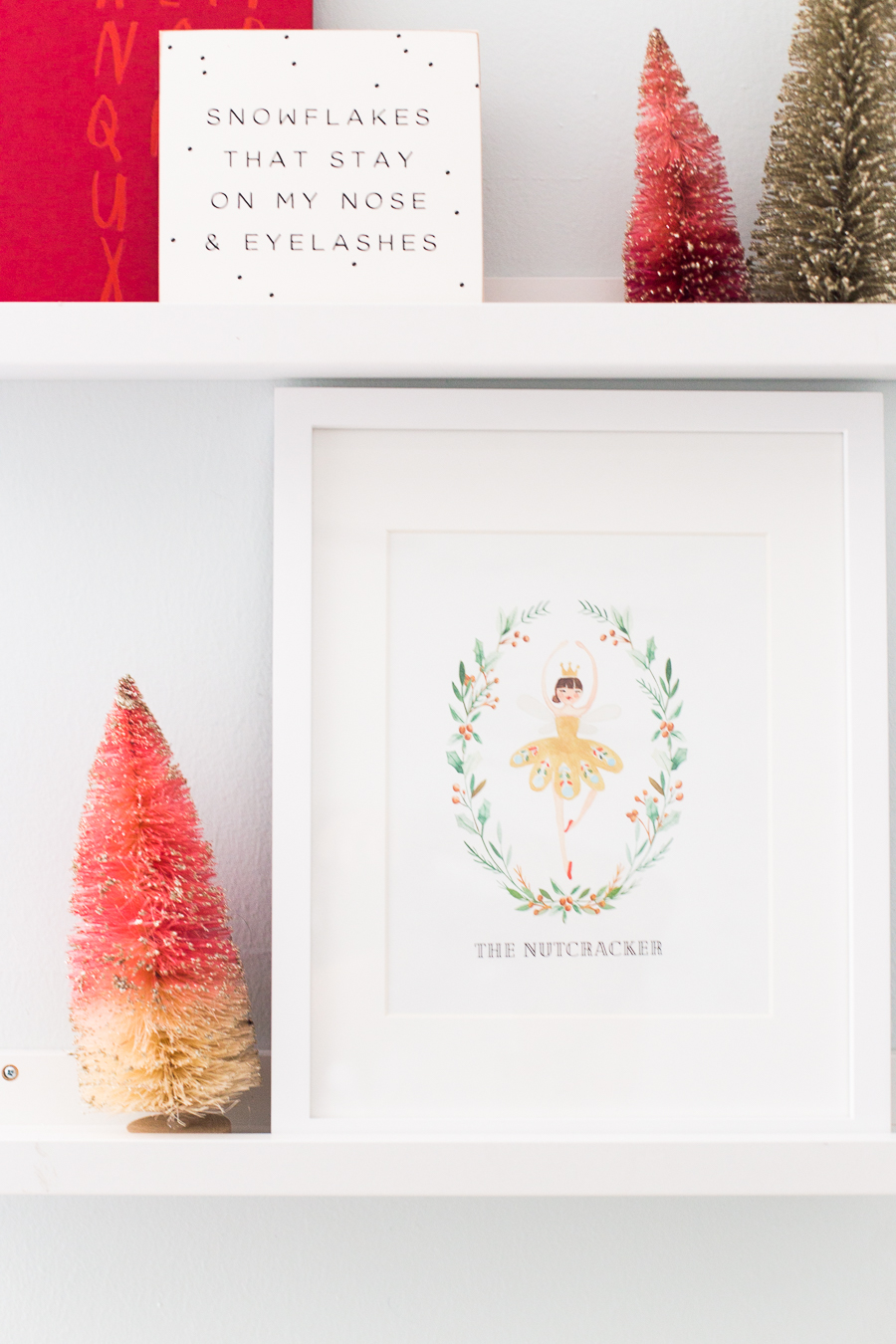 Free set of Nutcracker Printables - art print, gift tags, and notecards for Christmas